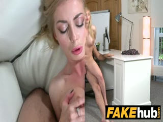 Секс с красивой девушкой в черных чулках - кастинг
