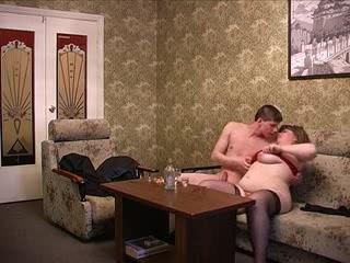 Секс видео инцеста с мамой и сыном в исполнении разврат